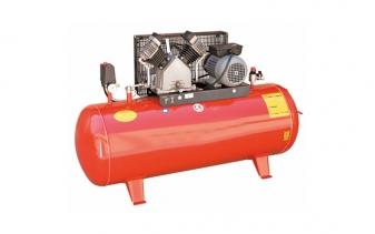 Pistonlu hava kompresörü 21-220